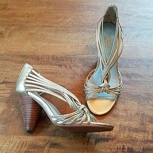 Vintage inspired gold Seychelles heels sz 7.5